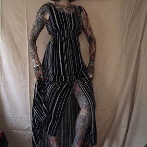 Xs xhilaration maxi black and white striped dress